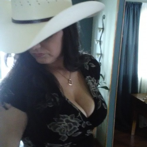 Wichita Swingers Hotwife Cuckold Crossdressers Kerry
