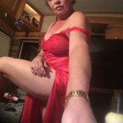 Tampa-Lakeland Swingers Hotwife Cuckold Crossdressers Cuddlecute