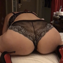 Toronto-Hamilton Swingers Hotwife Cuckold Crossdressers Highheeldesires